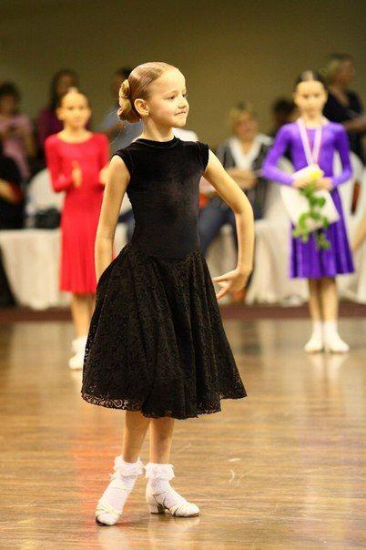 Как выбрать цвет первого платья для бальных танцев?