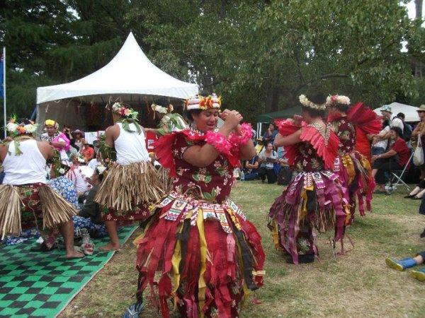 Танцы островов Океании