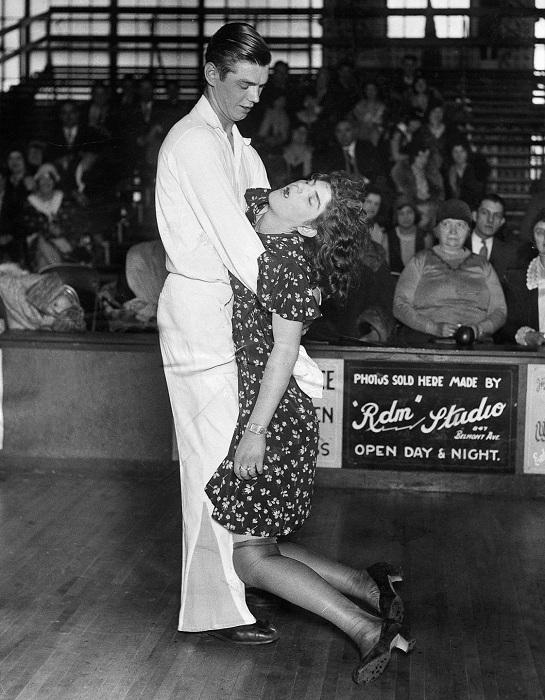 Агония танца: танцевальные марафоны 1920-30-х годов