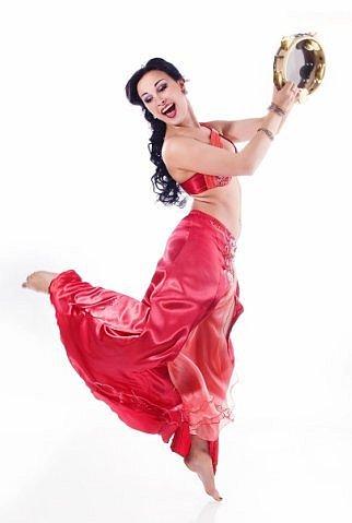 Танец с тамбурином